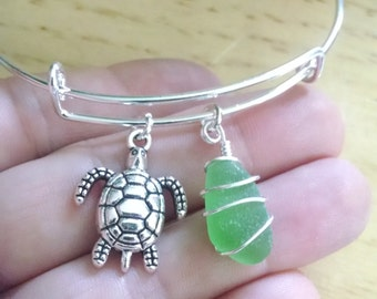 Real Sea Glass Charm bracelet, Sea Turtle charm, emerald green sea glass, personalized, Expandable bangle, Adjustable bangle