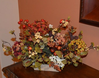 Hydrangea Arrangement, Every Day Floral, Table Centerpiece, Bathroom Decor, Bedroom Decor, silk flowers