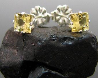 Golden beryl stud, natural beryl earrings, square beryl earings, genuine beryl earrings 4x4 mm