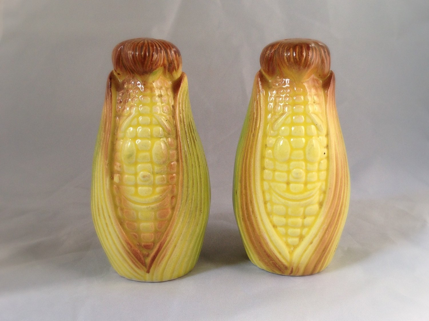 Salt And Pepper Shaker Unique Collectable By Alicesvintagebee
