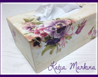 Box of wood with decoupage for handkerchiefs of paper