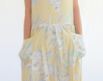 Small to medium sundress, light yellow dress, floral dress, midi, sleeveless dress, Hawaiian dress, Sun Fashions, pocketed dress, pastel