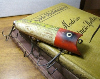 Vintage Heddon Lucky 13 Plastic Fishing Lure - Frog Scale with Red Head