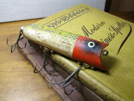 Vintage heddon lucky 13 plastic fishing lure frog scale with for Heddon antique fishing lures