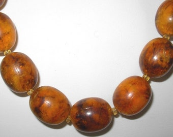 Vintage 1940s Amber Lucite Beaded Necklace