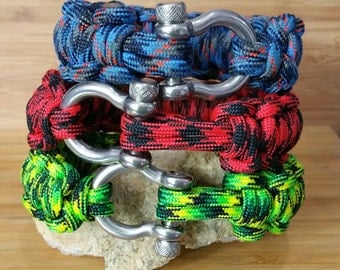 550 Paracord Bracelet CUSTOM Quick Release Survival Millepede Bracelet  Your choice of Colors and Size