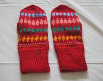 Vintage 1950's - Handmade Latvian Soviet Era Knit Mittens in Red