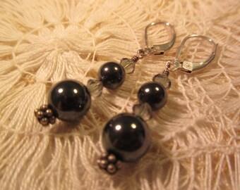 Vintage Sterling Silver Black Pearl Earrings