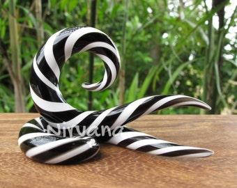 """Black & White Twists Thai Spirals Glass 10g 8g 6g 4g 2g 0g 00g 7/16"""" 1/2"""" 9/16"""" 5/8"""" 2.5 mm 3 mm 4 mm 5 mm 6 mm 8 mm 10 mm 12 mm 14 mm 16 mm"""