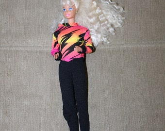 Mattel Barbie Doll w Clothing, Bright Colored Jumpsuit, Long Blonde Curly Hair, Doll Clothing, Barbie Fashion, Earrings Included, Toys, NICE