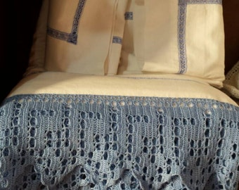 FITTED SHEET AND PILLOWCASES, LACE