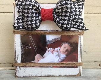 Rustic Frame, White, Distressed Wood Frame, Horizontal 4x6 or 5x7 , Houndstooth Burlap Bow