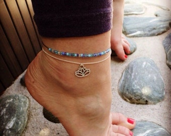 Lotus flower anklet, silver chain ankle bracelet, beaded anklet by Serenity Project. Cute yoga gifts, nature jewellery, silver jewelry.