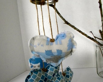 mason jar lid mobile with fabric hearts