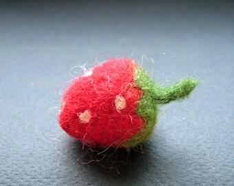 Felt strawberry, felted strawberry, felted fruit, wool felt fruit, home decor, fall decor, fruit ornament, healthy fruit, strawberry fabric