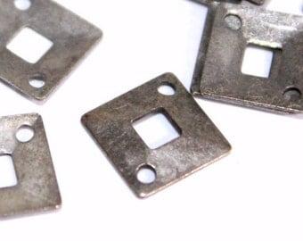 100 pcs 9x9 mm Square Patterned Two Corner Hole Brass  Antique Silver Color