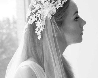 The Duchess: Vintage style 1920's Stunning Flower Floral Lace Wedding Bridal Veil Juliet Cap wedding veil headpiece