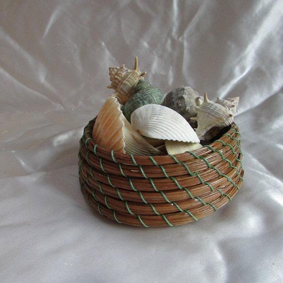 Handmade Pine Needle Baskets : Pine needle basket center by kandapineneedlebskt