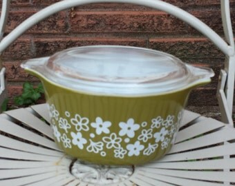 Pyrex Spring Blossom Design Covered Casserole 1 Qt.