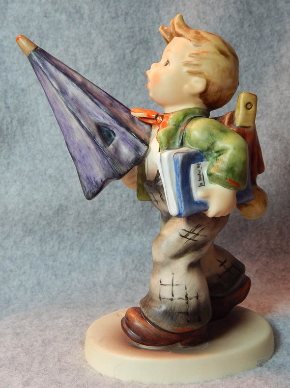 Hummel Figurine, Is it raining?, mold 420, TMK 6.