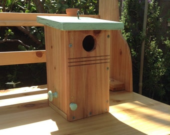 Birdhouse// Western Bluebirds birdhouse with side door for easy cleaning. Handmade from Red Cedar with Pine Roof. Specs to Bluebirds habitat
