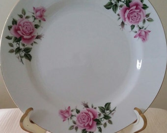 8 China plates, white with roses china, 8 lunch plates, 8 dessert plates, roses china
