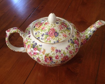Delightful Vintage Floral Chintz Teapot TeaTime 8 Cup Capacity New in Box