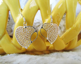 Heart Shaped Earrings in Mompox (Colombia) Filigree design, Sterling Silver Earrings with intricate and unique design