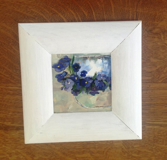 Violets flowers in a white basket 4x4 10x10 cm for 10x10 kids room