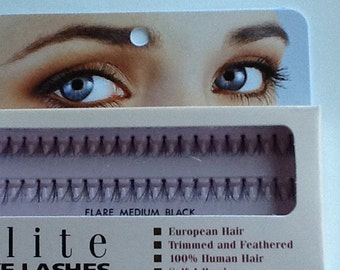 Individual false eyelashes medium length black