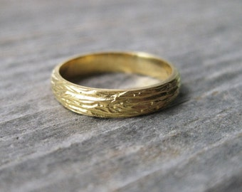 womens wedding band 14kt yellow GOLD wood grain THIN OAK 4mm ring faux bois Made to Order
