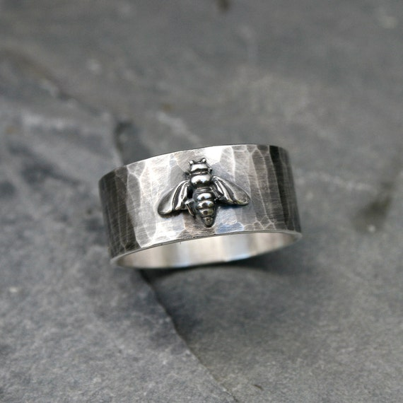 Honey Bee Ring Band, Solid Sterling Silver, Oxidized Rustic Finish, Hammered Wide Ring Band, Bumble Bee Keeping Ring, Spring Garden, Abeille
