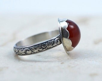 Carnelian Silver Ring, Sterling Silver Floral Band, Scalloped Bezel, US Size 8.5, Ready to Ship