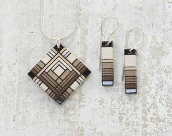 Brown Ombre Tone Thread Wrapped Jewelry Set on Opaque Black and Sterling Silver Hardware
