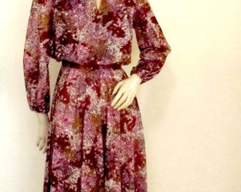 70's Day Dress Colorful Falling Leaves Print Poly Size Medium