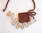 Crochet Necklace Natural Granite Rock Ecru Cinnamon