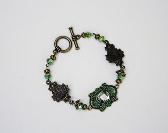 Green & Antique Brass Link Bracelet in Art Deco Style - Czech Glass Crystal, Detailed Links