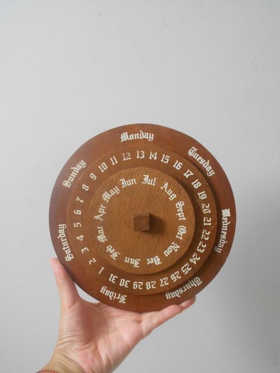 Perpetual Calendar Vintage : Vintage wooden perpetual calendar round clock
