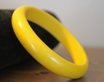 Vintage BakeLite  Bracelet - Bangle -Yellow