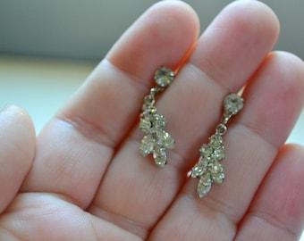 1950s Small Rhinestone Dangle Screw Back Earrings