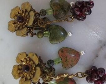 Vintage Janny Garnet Grape and Heart Clip on Earrings