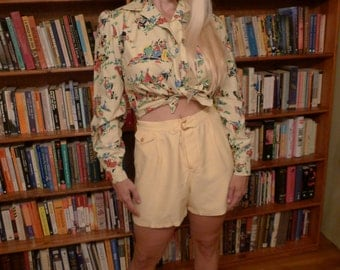 RAYON CREAM--The Best 1940s Buttery Yellow Rayon Shorts with Lovely Buckle-Back Detailing--S,M
