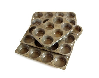 "Antique Muffin Tins Cupcake Pans 2.75"" Food Photography Props Distressed Patina Primitive Bakeware 6 8"
