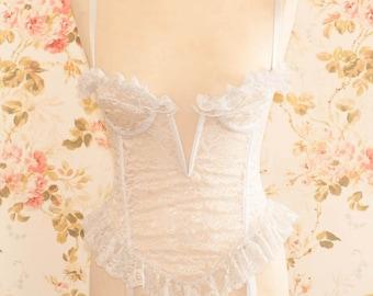 Vintage White Lace Suspender Corset. Bra Size 38B Cup.
