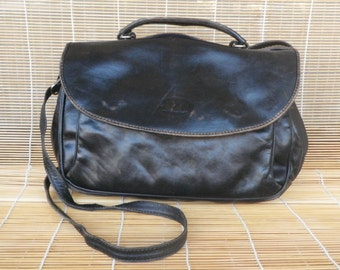 Vintage Medium Size Black Leather Shoulder Strap Bag