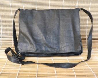 Vintage Medium Size Black Leather Shoulder Strap Messenger Bag
