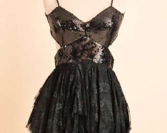 Open Back Sweetheart Black Sequined Lace Dress // Prom Graduation Wedding // Size 4