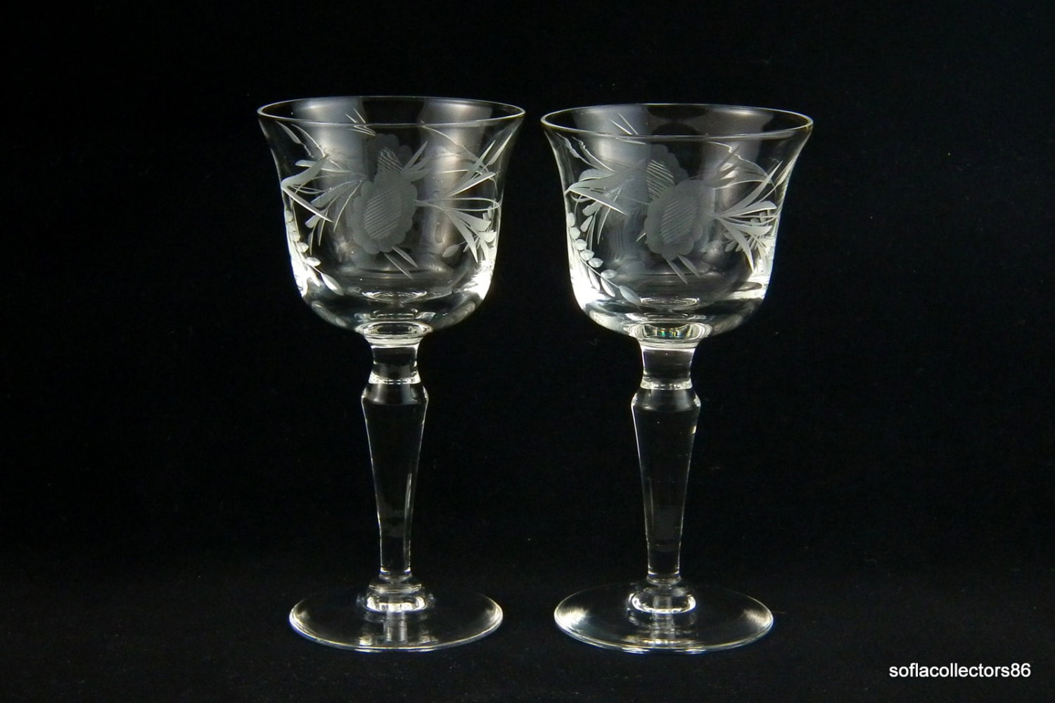 Sherry Glasses / Port Wine Glasses with Gray Cut Leafy