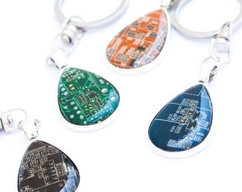 Circuit board keychain - geeky gift - techie IT - drop, resin