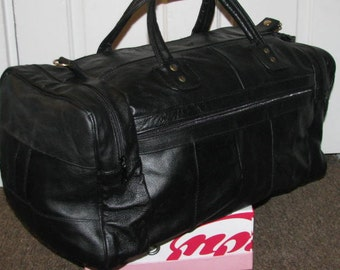 90's BLACK DUFFLE BAG // Black Bank One Carry All On Luggage Huge 80's Leather Suitcase Weekend Travel Duffle Gym Weekender